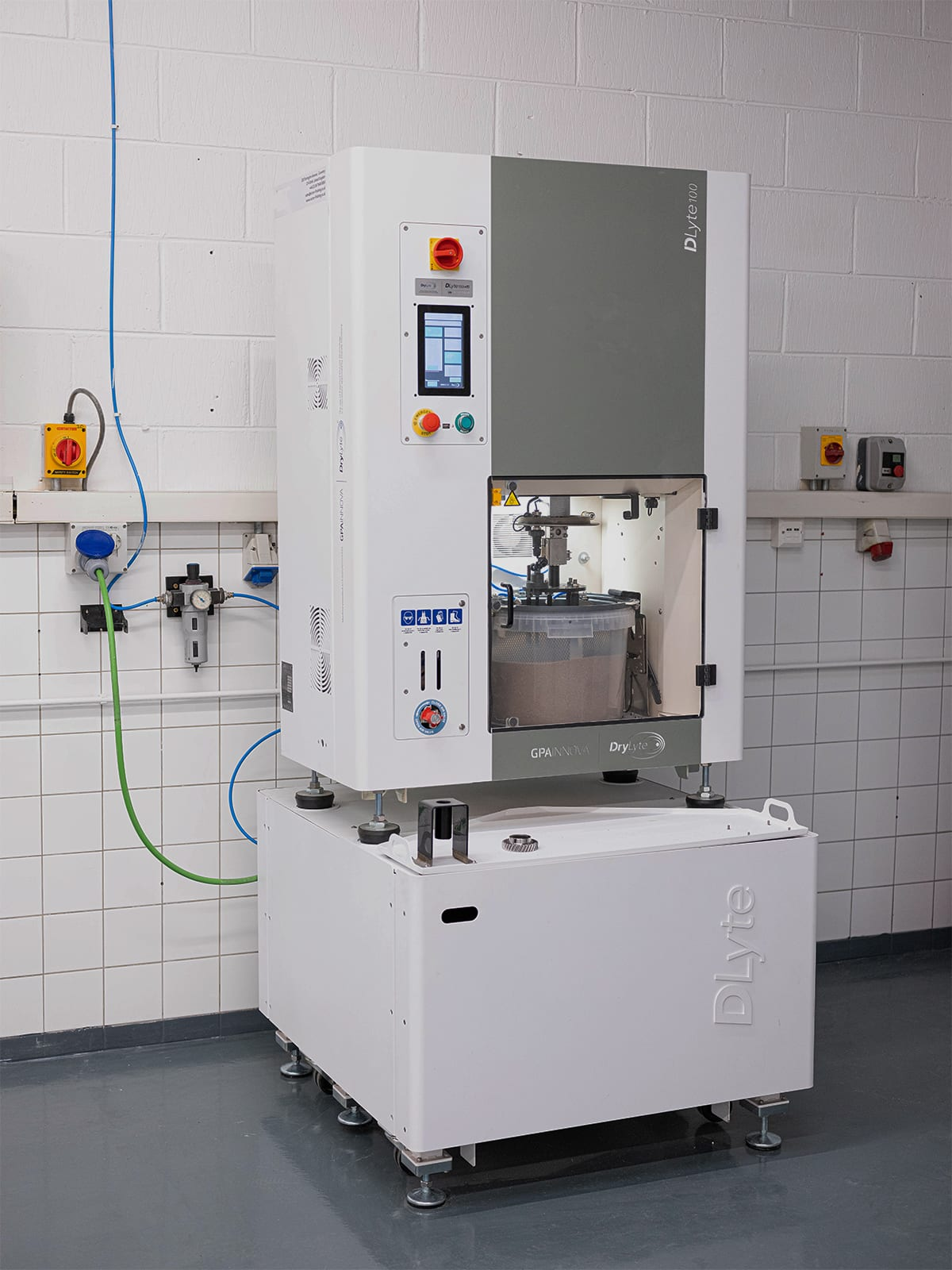 DLyte Surface Finishing Machine